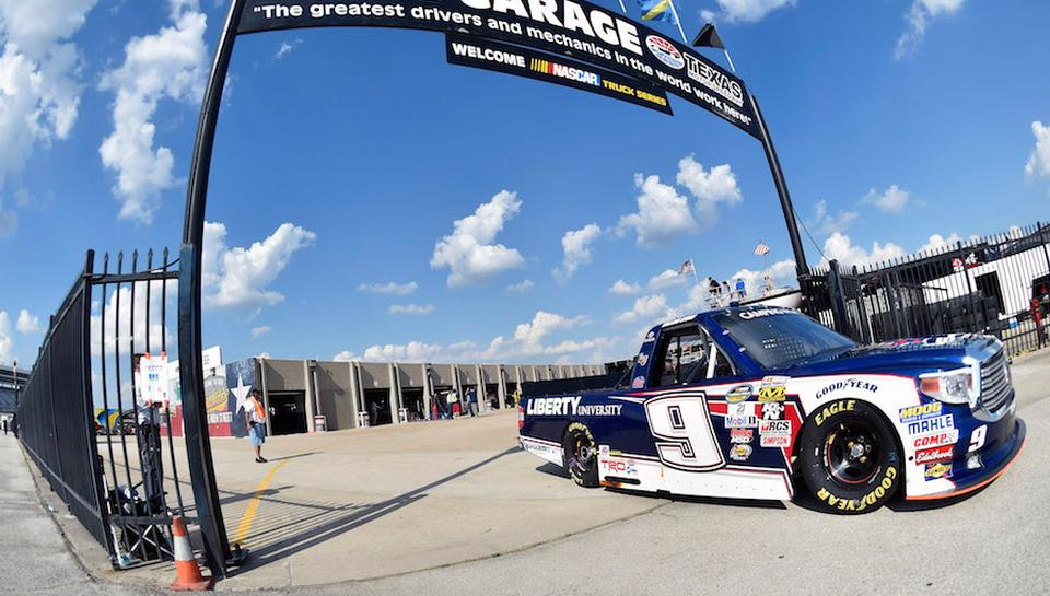 Byron Returns to Texas Hoping to Revisit Victory Lane